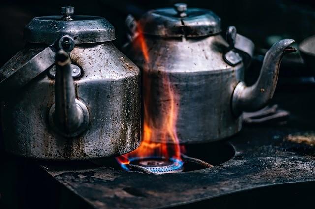 2 чайника на огне