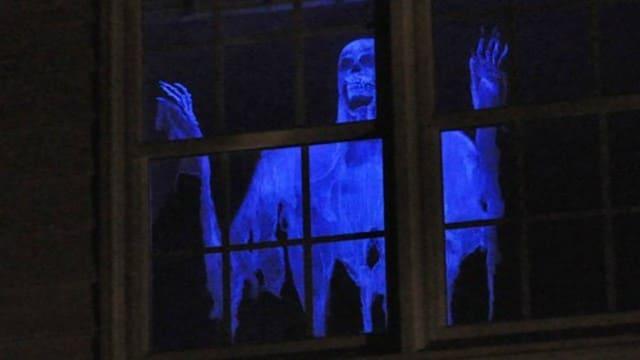 призрак в окне